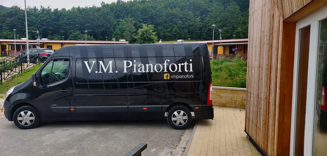 L'Arrivo del Pianoforte sul furgone di VM pianoforti